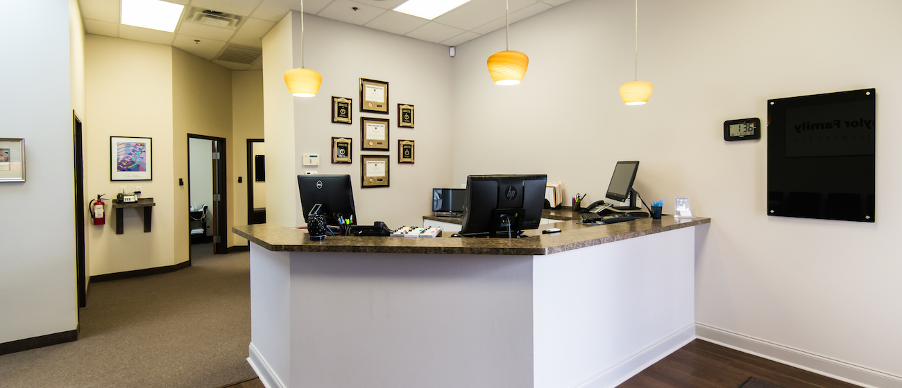 chiropractor-office